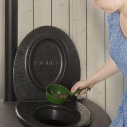rajoutez de la litière dans votre toilette BIOLAN eco
