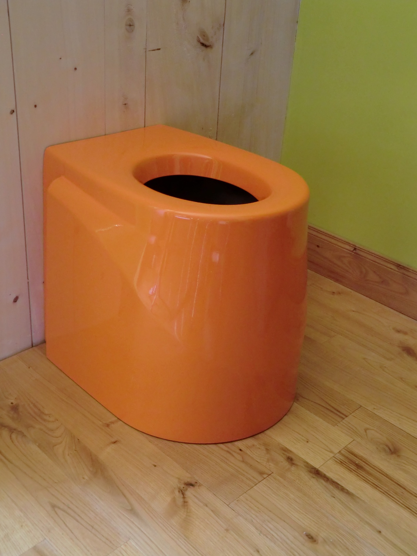 Toilette sèche Ecodomeo Néodyme orange 2