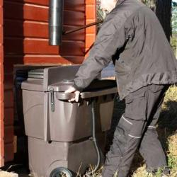 Toilette sèche Populett Biolan 200 l_changement du réservoir